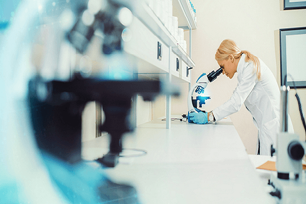 What Are Areas of Specialization of a Forensic Scientist?